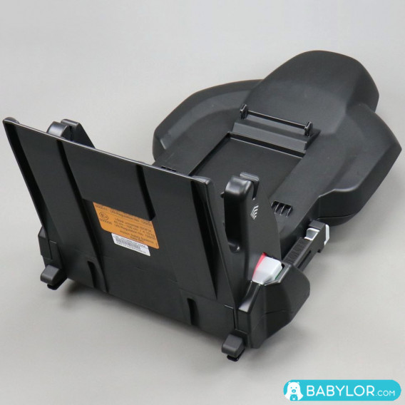 Takata I-size base Plus